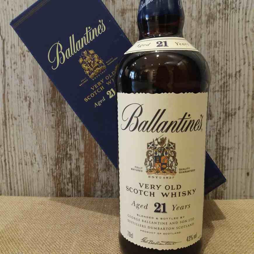 Ballantines 21 años whisky 1