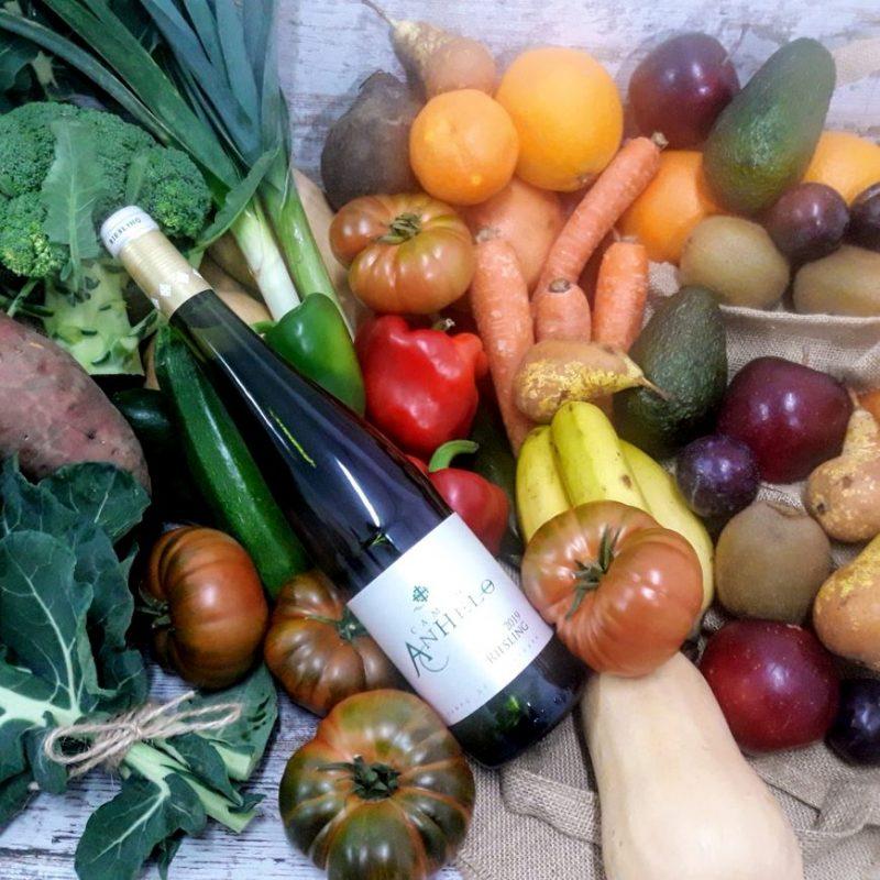Caja Grande de Fruta y Verdura Bio de Temporada con Vino Blanco Anhelo Riesling