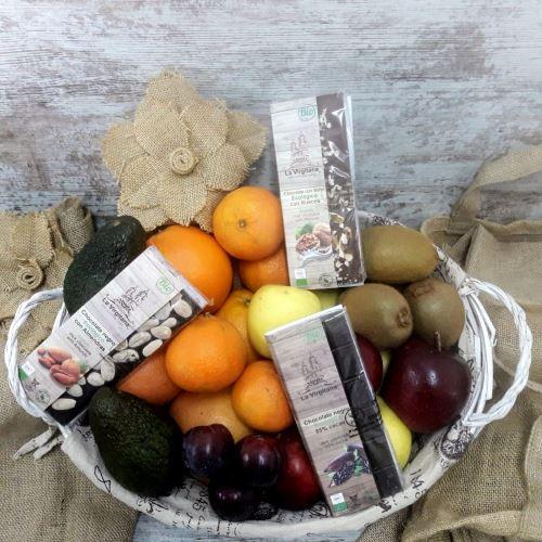 Cesta de Frutas Bio de Temporada con Chocolates Ecológicos